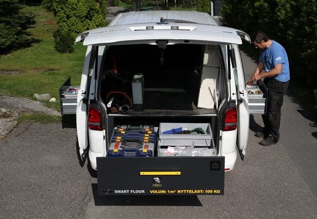 ryddig varerom riktig innredning verktøy og materiell last og volum arbeidsbil.jpg